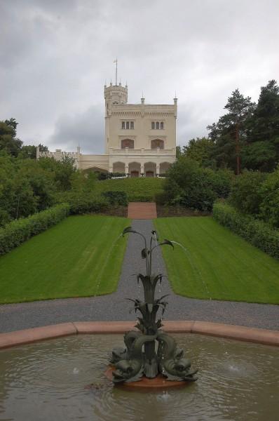 Oscarshall - front med fontene
