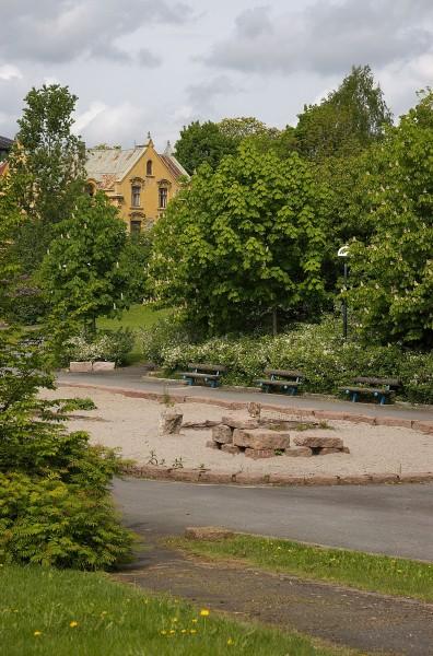 Frøyas Have - Det gule huset har adresse Drammensveien 102B