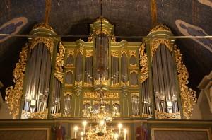Barokkorgelet har stått i kirken siden det ble bygget av  Lambert Daniel Kastens i 1720-årene og det ble ferdig i 1727. Det er ingen piper bevart fra dette, men selve orgelfasaden er fremdeles i bruk. Orgelet har 53 stemmer og er bygget av Jan Ryde. Det ble innviet til kirkens 300-årsjubileum i 1997.